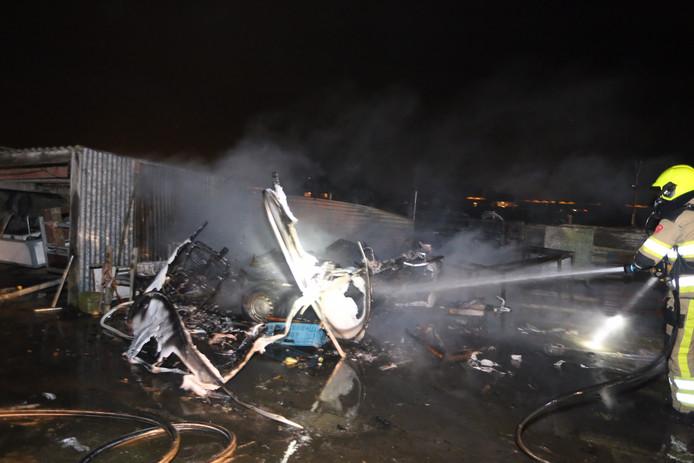 Caravanbrand in Poederoijen.