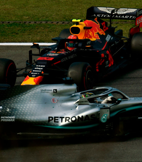 Sainz pakt derde plek na tijdstraf Hamilton