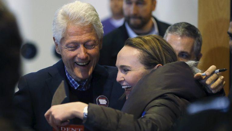 Oud-president Bill Clinton zaterdag op campagne voor Hillary in Iowa. Beeld null