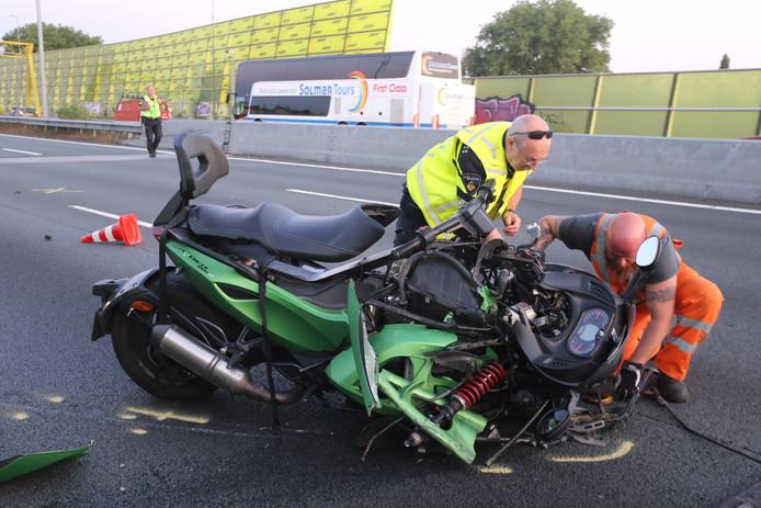 Dode en zwaargewonde bij ongeval met quad op A2.