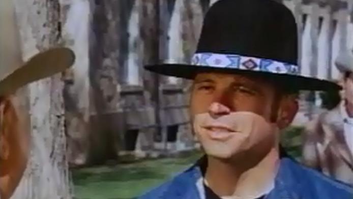 Tom Laughlin in een scène uit Billy Jack.