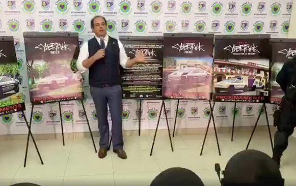 De burgemeester kondigde zijn aankoop toe tijdens een pertsconferentie.