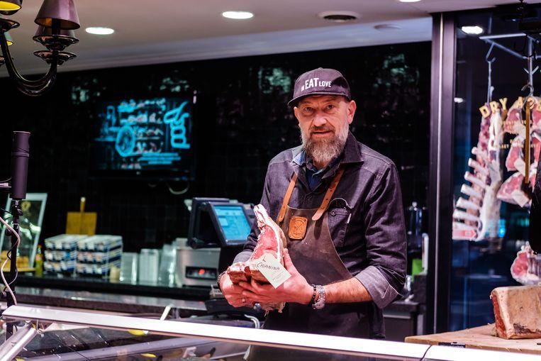 Luc De Laet van The Butcher's Shop in Antwerpen en Hove is één van de ambachtslui die advies geeft via de livestream van Njomly.