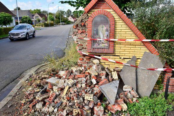 Het oude kapelletje werd gedeeltelijk vernield.
