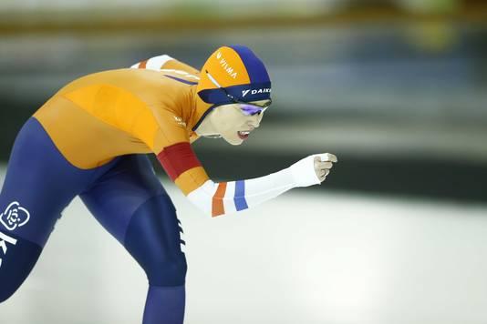 Antoinette de Jong in actie op de 5000 meter.