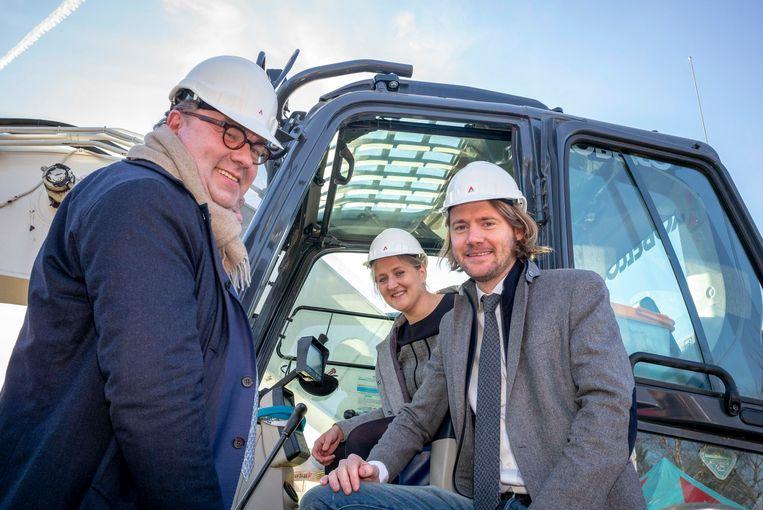 Burgemeester D'Haese en schepenen Beulens en De Gucht.
