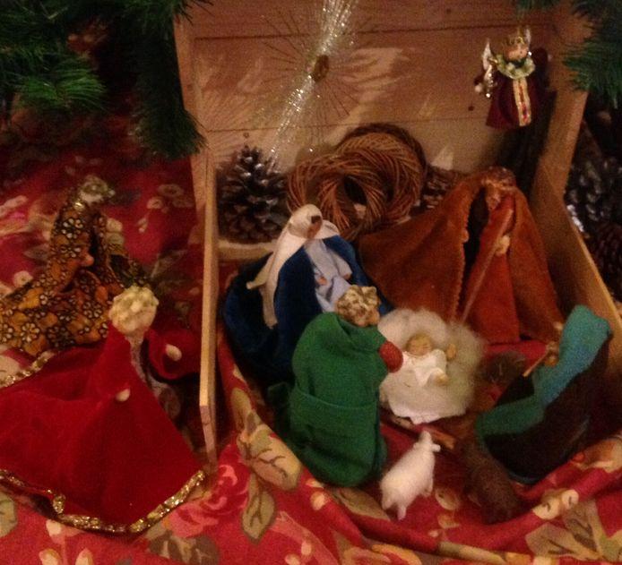 De eigengemaakte kerststal van de familie Princen.