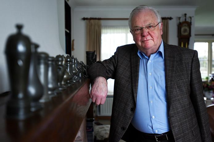 Noud Smits bij zijn afscheid als voorzitter van Heemkundekring De Kleine Meijerij (2016).