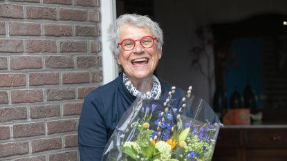 IN BEELD. Moederdag in het spoor van de bloemist aan huis: overal lachende gezichten