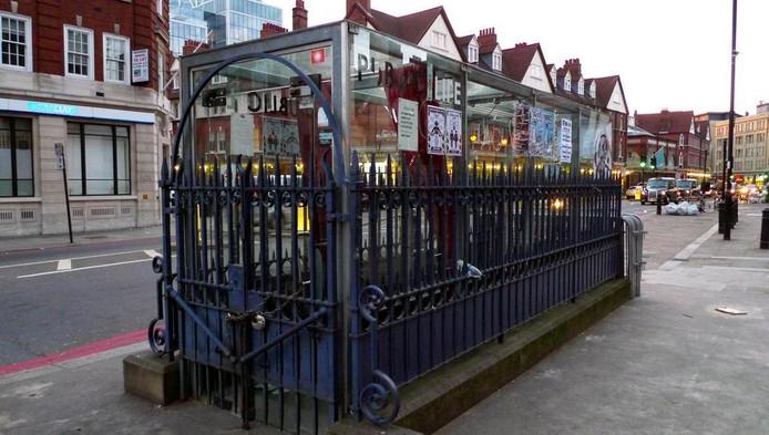 Toilet Te Koop.Voormalig Openbaar Toilet Londen Voor Miljoen Te Koop