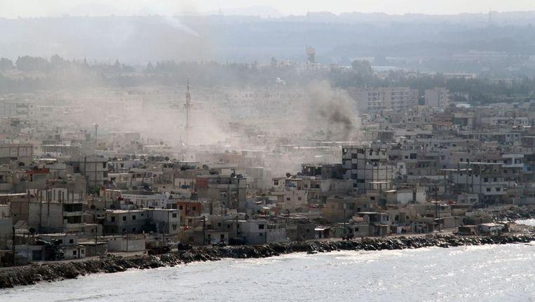 Latakia werd gisteren onder vuur genomen door de Syrische marine. Beeld afp