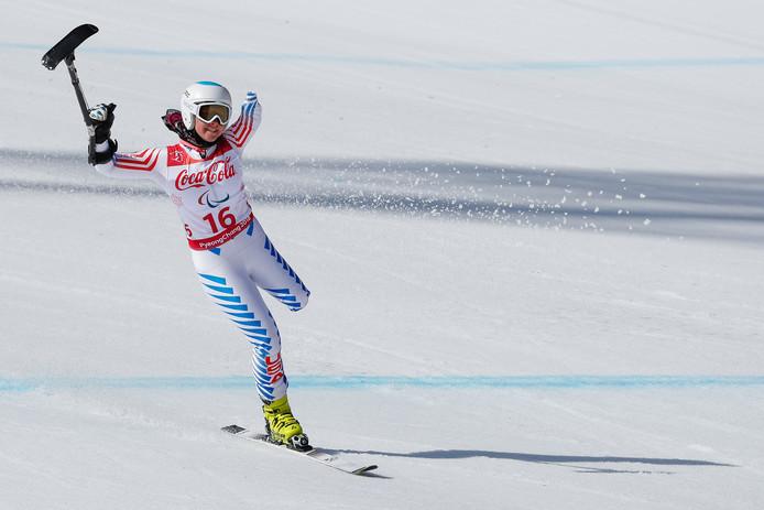 De Amerikaanse Stephanie Jallen komt over de finish na de afdaling van de Super G van de Supercombinatie.