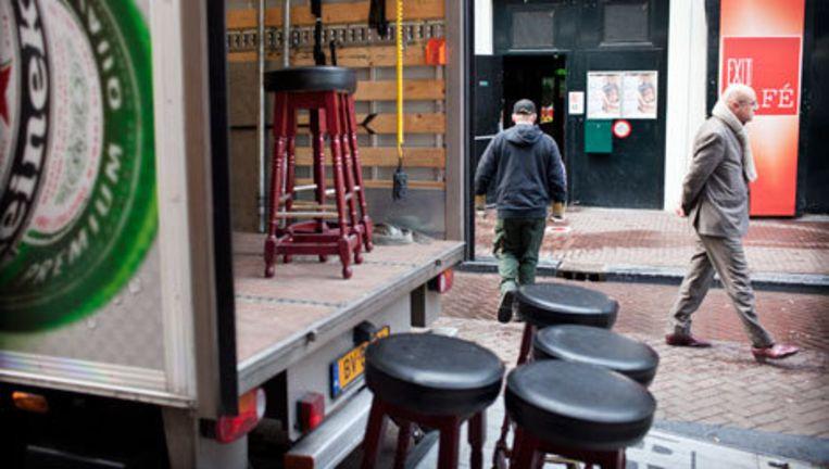 Ontruiming café exit in de reguliersdwarsstraat. Foto Marc Driessen Beeld
