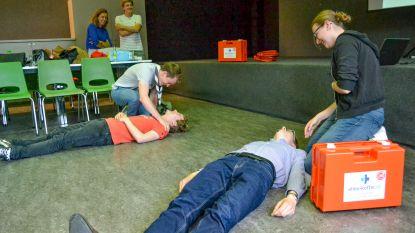 Gratis EHBO-koffers en Rode Kruis-opleidingen voor Sint-Niklase jeugdverenigingen
