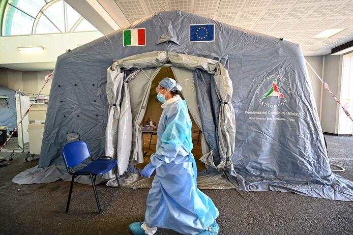 Medisch personeel in het Policlinico di Tor Vergata hospital in Rome. Foto ter illustratie.