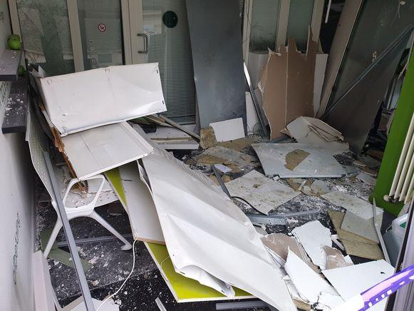 De bank liep grote schade op door de ontploffing.
