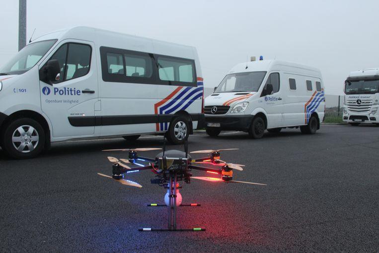 Een drone van de federale politie, uitgerust met infrarood en warmtecamera's.