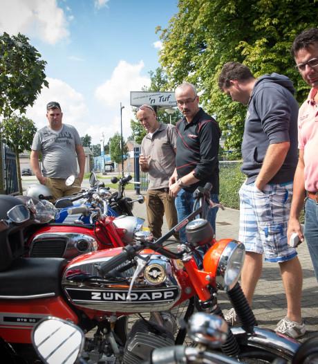 Hoe 4 mannen in Rijssen koffiekopjes tekort kwamen en opeens een grote motorclub hadden
