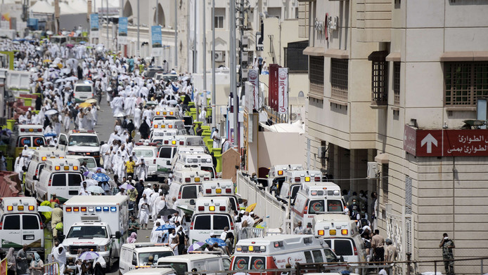 In Saudi-Arabië zijn honderden pelgrims doodgedrukt in het gedrang bij de bedevaart in Mina