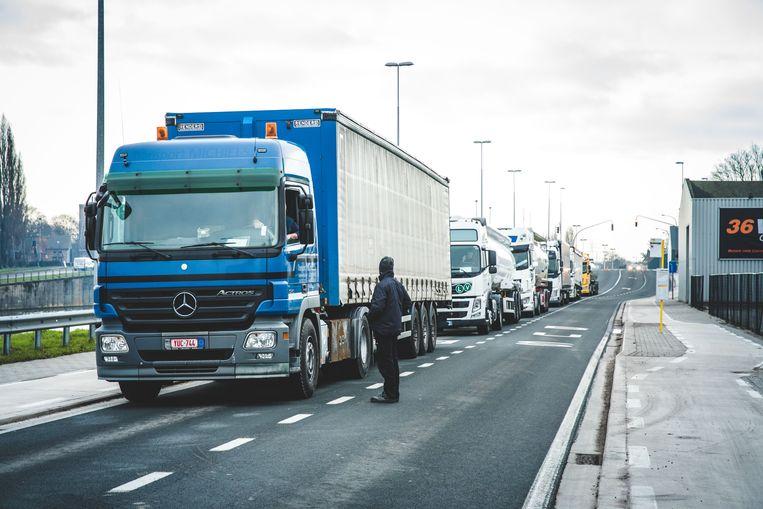 nationale staking in Gent, vrachtwagenblokkade aan de Pantserschipstraat