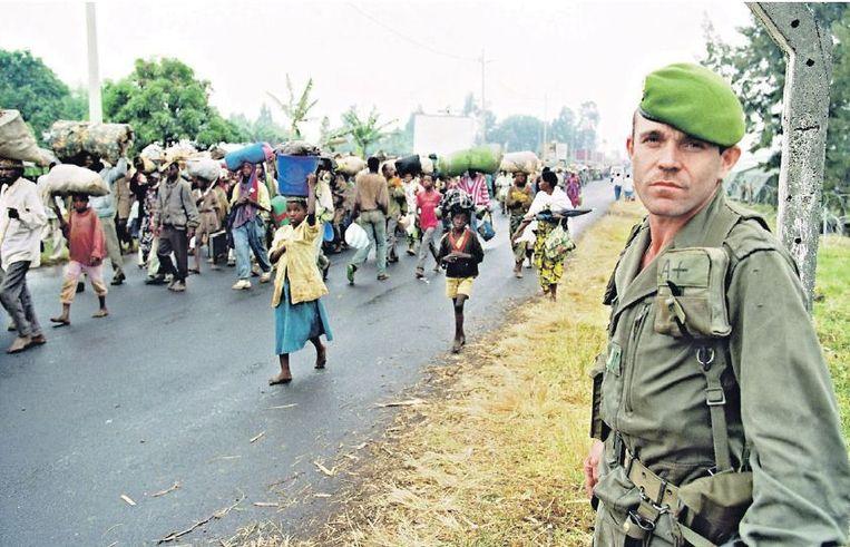 Juli 1994: Rwandezen op de vlucht voor geweld. Beeld afp
