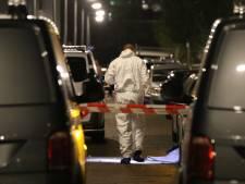 Man van 'lief gezinnetje' doodgeschoten in auto Parallelweg: 'Ik hoorde heel veel schoten'