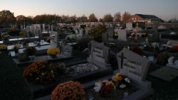 Speurders willen in ons land tot 135 lichamen laten opgraven en identificeren