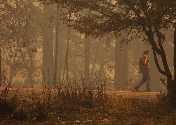 Chris Tofte, vader van de 13-jarige Wyatt, nadat hij het nieuws heeft gehoord dat zijn zoon niet aan de bosbranden heeft kunnen ontkomen.