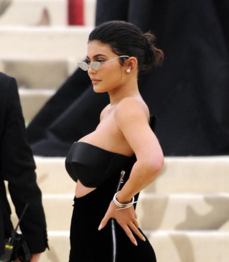 Kylie Jenner boos op kritische fans na laat opdagen bij evenement