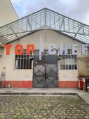 """La célèbre porte du hangar de """"Top Chef""""."""