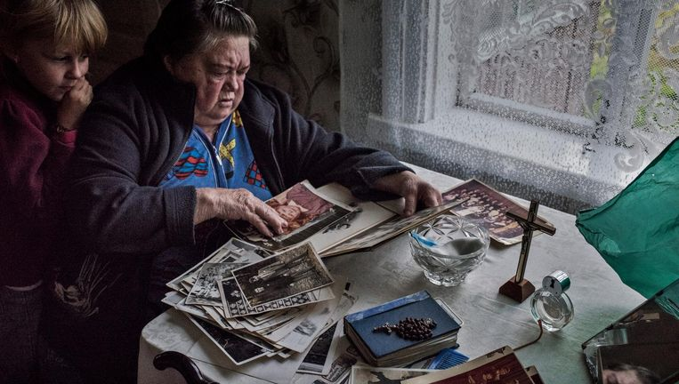 Sofia Genovitsja, moeder van een inspecteur die onder een betonwagen kwam bij de bouw van de Varona-central Beeld Yuri Kozyrev/ Noor