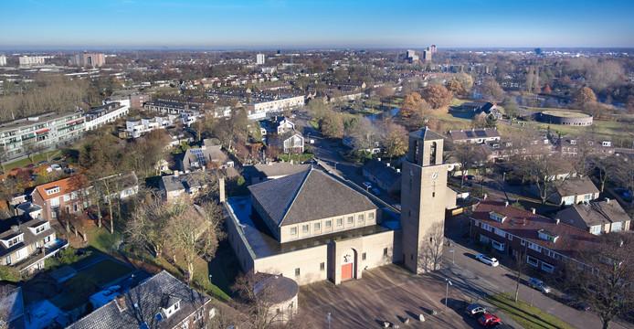 San Salvatorkerk aan het Schaarhuisplein in de wijk Orthen in Den Bosch