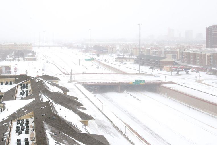 Na de tornado kwam in Texas de sneeuw. Beeld afp