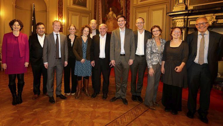De nieuwe Gentse stadsraad met Filip Watteeuw (vierde van rechts)