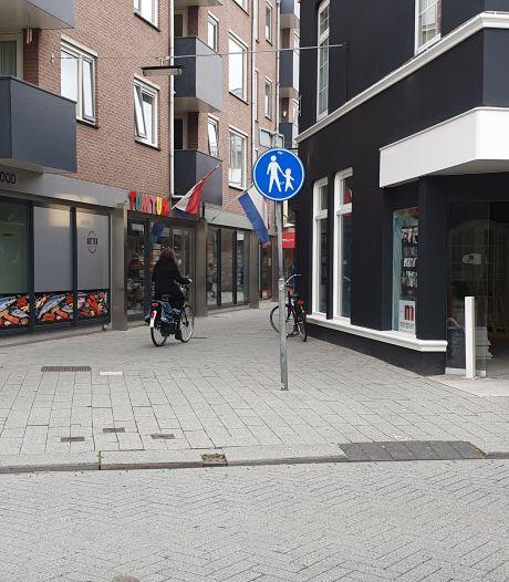 Controles in passage naar Hengelose winkelcentrum Thiemsbrug
