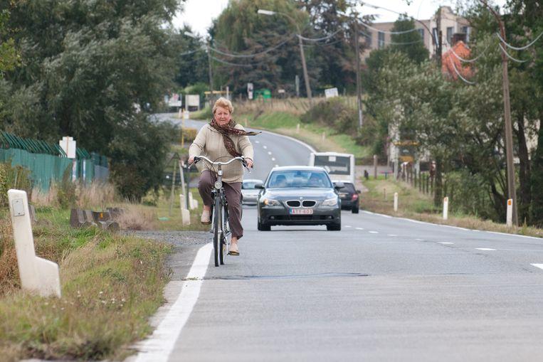 Al 17 jaar is er sprake van de aanleg van fietspaden aan beide kanten van de Ronsesestraat.