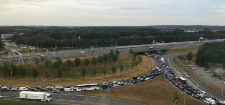 Gelijk vertraging op grotendeels afgesloten IJsselallee in Zwolle