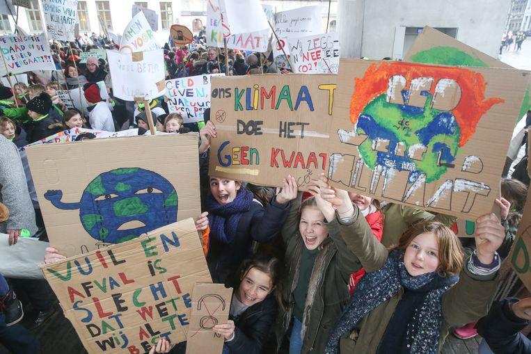 2.000 leerlingen kwamen opdagen voor de actie onder de Stadshal.