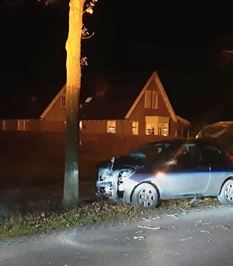 Bestuurder meegenomen naar politiebureau na eenzijdig ongeval in Hellendoorn