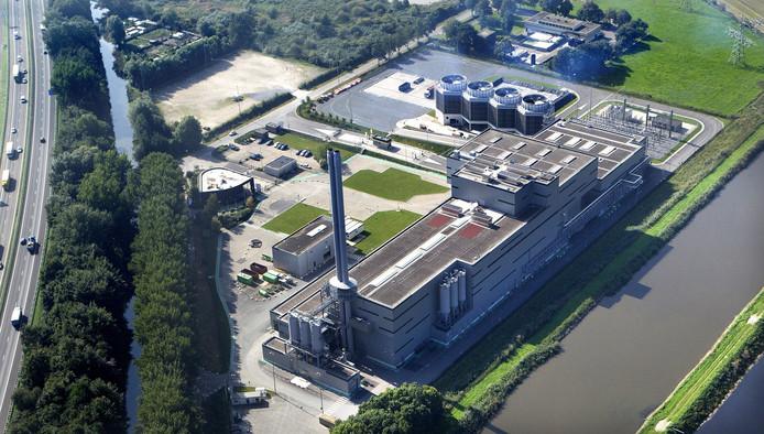 De afvalverbrander Suez/Sita. Op terrein linksboven is biomineralenfabriek gepland.