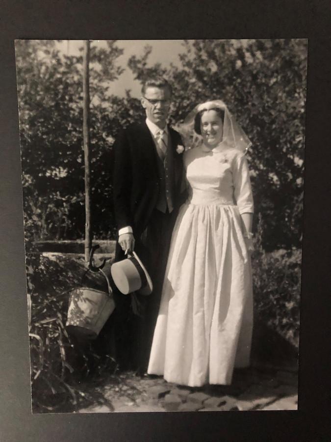 De trouwfoto van Ad en Dini van Asten.