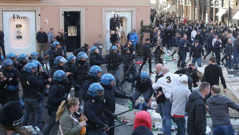 De rellen braken onder andere uit bij de Spaanse Trappen. De Italiaanse politie greep in en arresteerde meerdere Feyenoordsupporters.