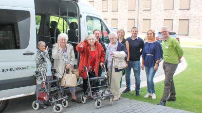 Een weekje ijsjes en terrasjes: Bewoners van woonzorgcentrum Meerspoort Oudenaarde vertrokken voor deugddoende zeevakantie