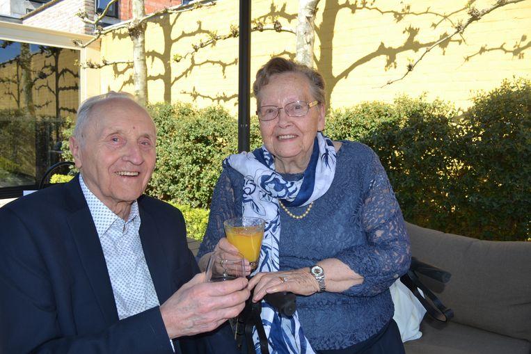 Camille Dejager (88) en Hilda Pouleyn(86) uit Deerlijk hebben hun briljanten huwelijksverjaardag gevierd.