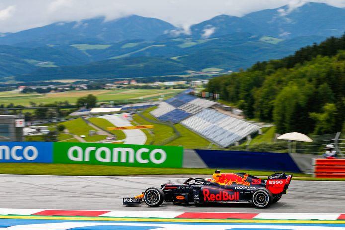 Max Verstappen tijdens de eerste vrije training in Oostenrijk.
