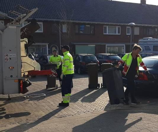 """Beau van Erven Dorens haalt vuilnis op in Utrecht. ,,Uit respect."""""""
