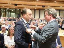 Peter Snijders na warm welkom geïnstalleerd als burgemeester van Zwolle