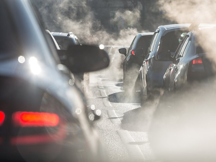 Het Duitse OM heeft drie topmanagers en drie medewerkers van VW aangeklaagd wegens dieselfraude.