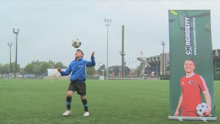 10 jarig talent 10 jarig talent mag trainen met Lukas Podolski   Time out   Sport  10 jarig talent
