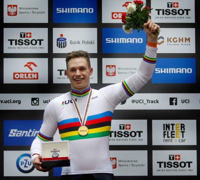 Harrie Lavreysen in maart nadat hij de wereldtitel heeft veroverd in het Poolse Pruszków.